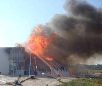 essais experimentaux incendie entrepot stockage
