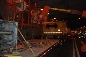 On-site testing of tunnel structures