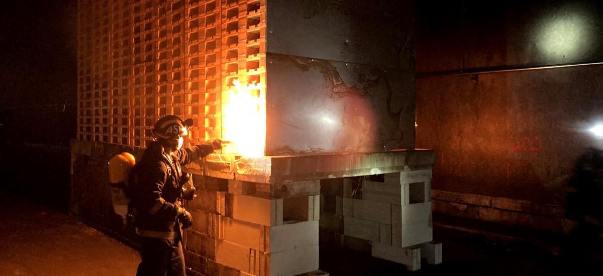 Grootschalige brandtesten uitgevoerd in een testtunnel in San Pedro, Spanje